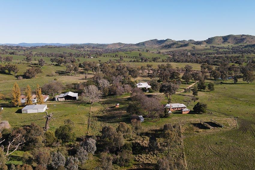 Farm Stay Accommodation Albury - Shearers Quarters